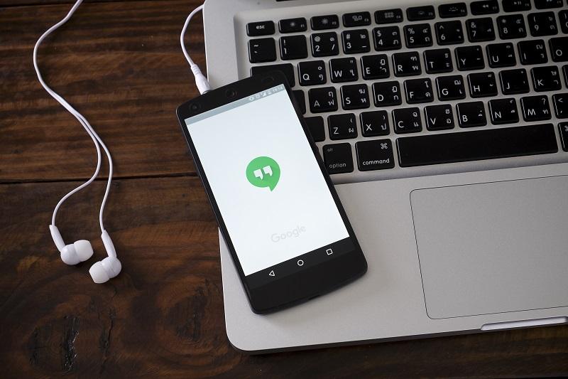 Google przeniesie swoich użytkowników z usługi Hangouts do Chat w 2021 roku